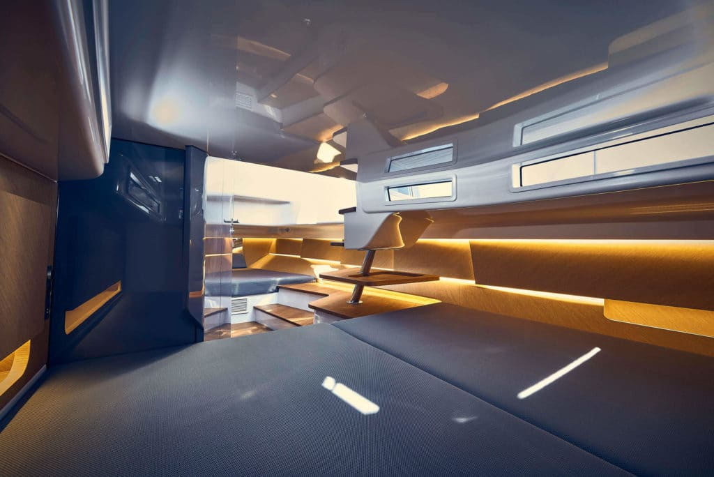1414-Demon-Air_interior_1