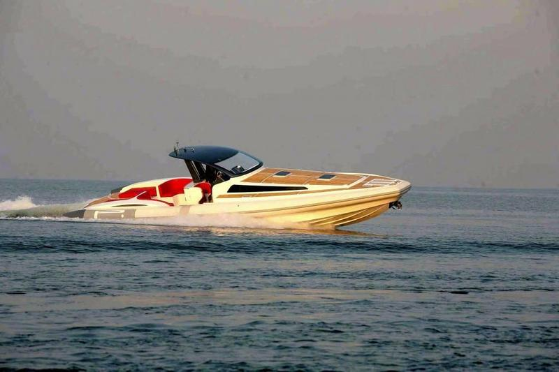 motorboot-sportboot-tecnorib-475264-pirelli-1400-cabin-1-1-062300